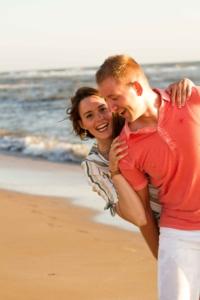 loveshoot-liefde-strand-ondergaande zon-zee-geluk-goodvibes